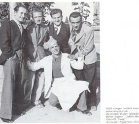 Il fornaio Enzo Faffa con alcuni amici